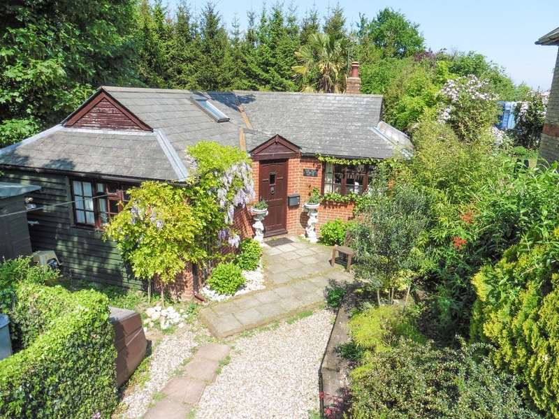 2 Bedrooms Detached Bungalow for sale in The Street, Snailwell