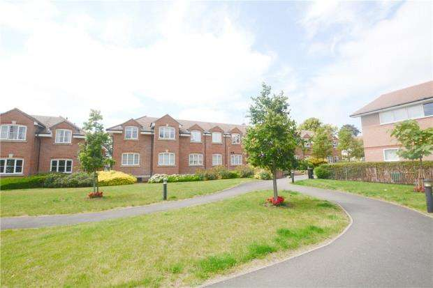 2 Bedrooms Apartment Flat for sale in Gray House, Bells Hill Green, Stoke Poges