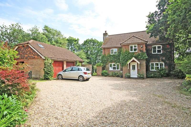 3 Bedrooms Detached House for sale in Willow Lane, Bransgore, Christchurch
