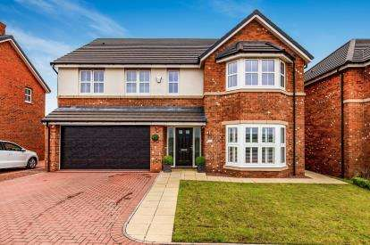 5 Bedrooms Detached House for sale in Yew Close, Yarm, Stockton On Tees