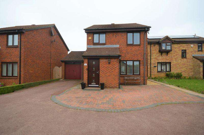 3 Bedrooms Detached House for sale in Redmire Close.