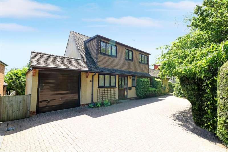 3 Bedrooms Detached House for sale in Little Heath Road, Tilehurst, Reading