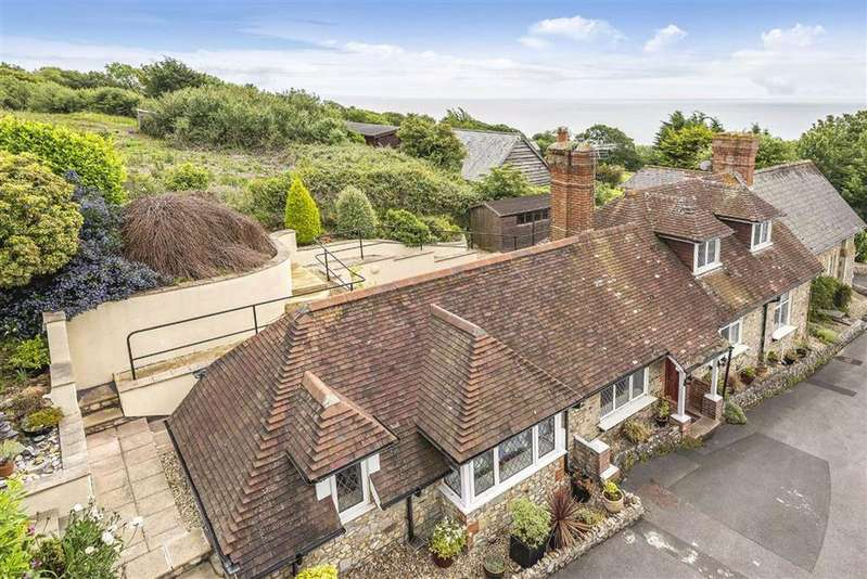 3 Bedrooms Detached House for sale in Charmouth Road, Lyme Regis, Dorset, DT7