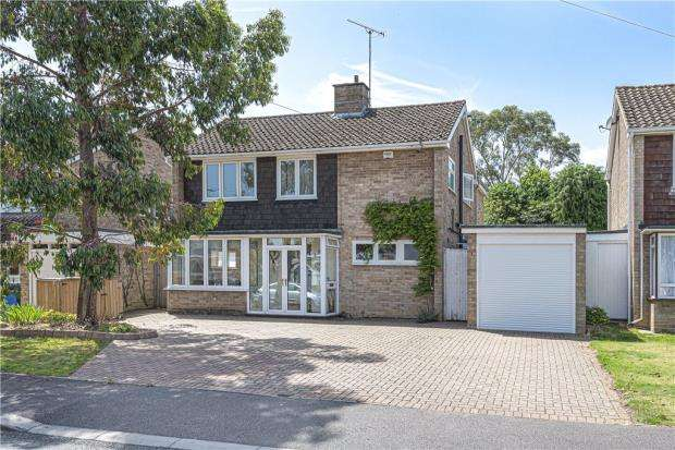 4 Bedrooms Detached House for sale in Hayse Hill, Windsor, Berkshire