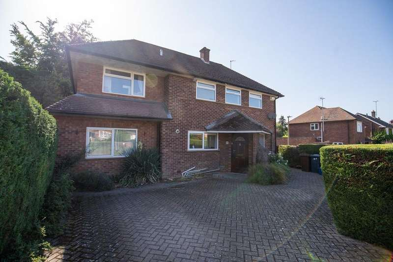 4 Bedrooms Detached House for sale in Cloisters Road, Letchworth Garden City, SG6