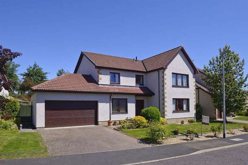 4 Bedrooms Detached House for sale in 51 Bennecourt Drive, Coldstream TD12 4BY