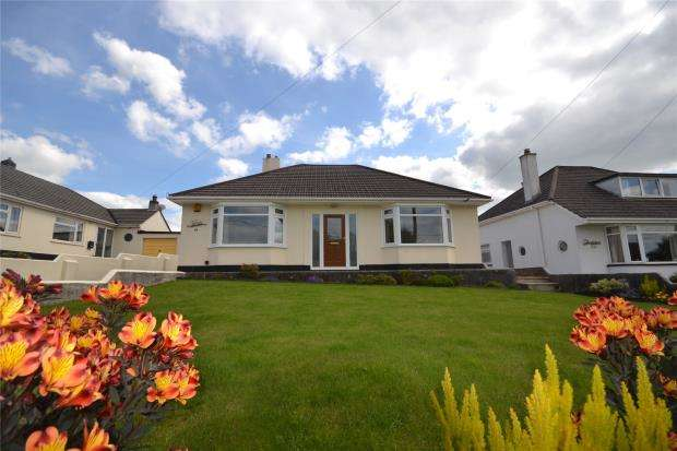 2 Bedrooms Detached Bungalow for sale in Tavistock Road, Callington, Cornwall