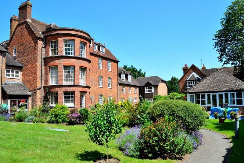 2 Bedrooms Apartment Flat for sale in Southcote Lodge, Burghfield Road, Reading, Berkshire