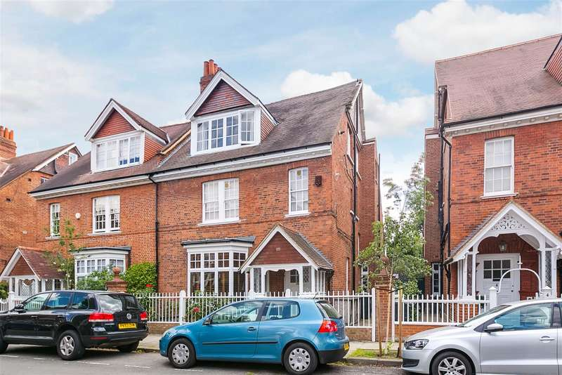 2 Bedrooms Flat for sale in Marlborough Crescent, London, W4