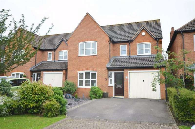 4 Bedrooms Detached House for sale in Tudor Close, Churchdown