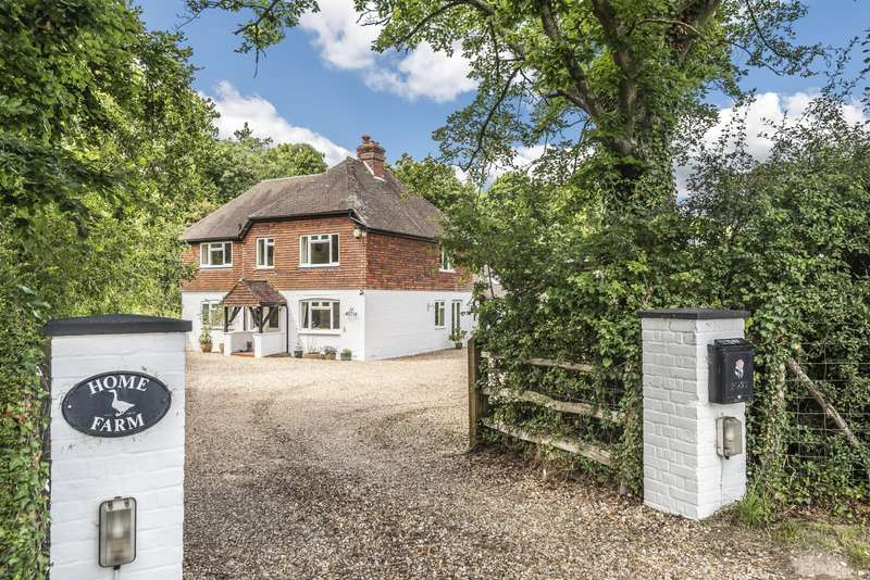 4 Bedrooms Detached House for sale in Cocking Causeway, Midhurst, GU29