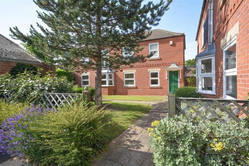 2 Bedrooms Maisonette Flat for sale in Oakfields Road, West Bridgford, Nottingham