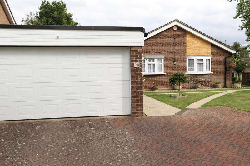 3 Bedrooms Bungalow for sale in Parkstone Close, Bedford, Bedfordshire, mk41