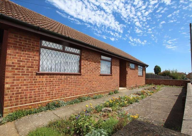 3 Bedrooms Bungalow for sale in Everton Road, Potton, SG19