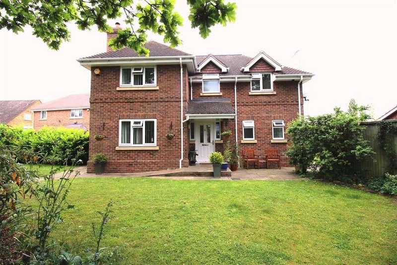 4 Bedrooms Detached House for sale in Long Lane, Tilehurst, READING