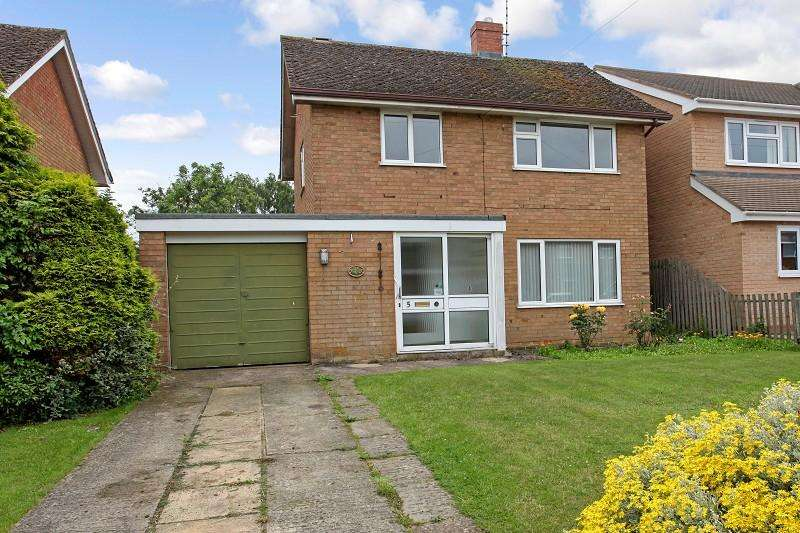 3 Bedrooms Detached House for sale in Keble Road, Moreton-In-Marsh, Gloucestershire. GL56 0DZ