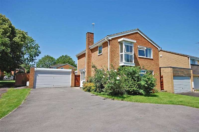 4 Bedrooms Detached House for sale in Hartley Close, Charlton Kings, Cheltenham, GL53