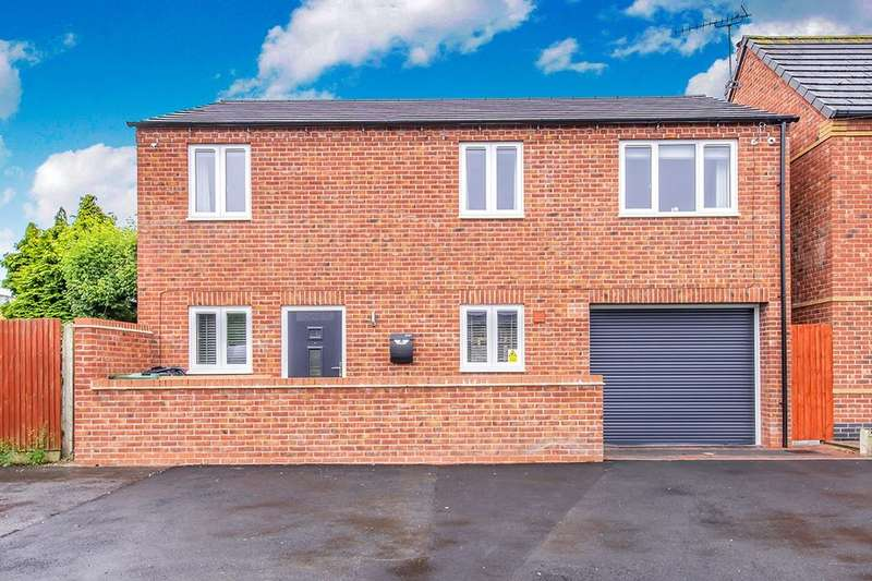 4 Bedrooms Detached House for sale in Pevensey Road, Loughborough, LE11