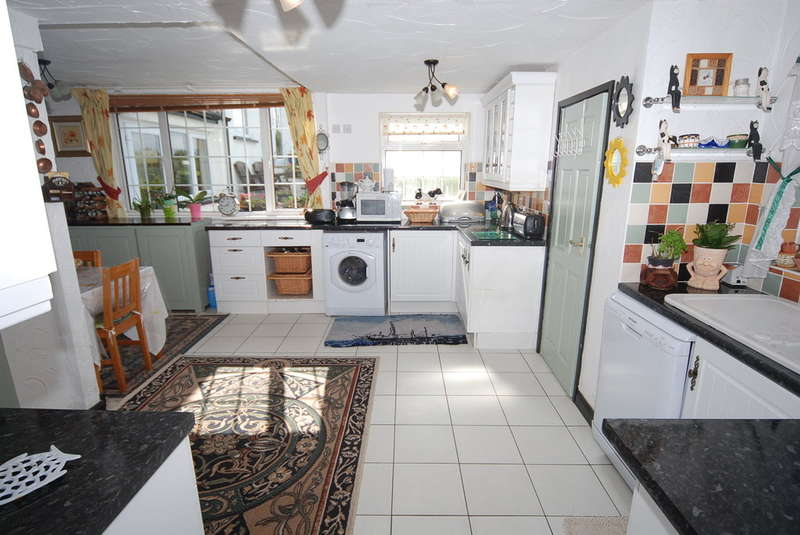 4 Bedrooms Detached House for sale in Greenscoe, Askam-in-Furness