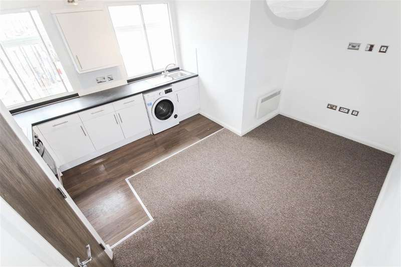 2 Bedrooms Apartment Flat for rent in High Street, Southampton