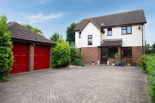 4 Bedrooms Detached House for sale in Cricketers Way, Benwick, March, Cambridgeshire