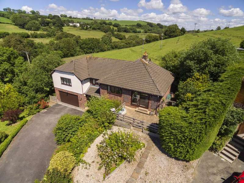 4 Bedrooms Detached House for sale in Bishops Tawton, North Devon