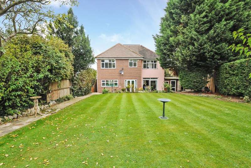 4 Bedrooms Detached House for sale in Fleece Road, Surbiton, KT6