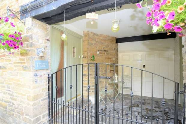 3 Bedrooms End Of Terrace House for sale in Watsons Mill, High Street, Bollington, Macclesfield, Cheshire