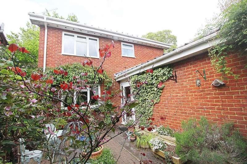 3 Bedrooms Detached House for sale in Cedarwood Crescent, Caversham, Reading