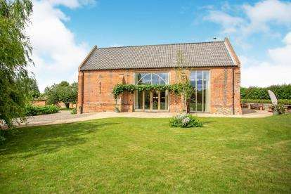 3 Bedrooms Barn Conversion Character Property for sale in Clint Street, Ludham, Norfolk