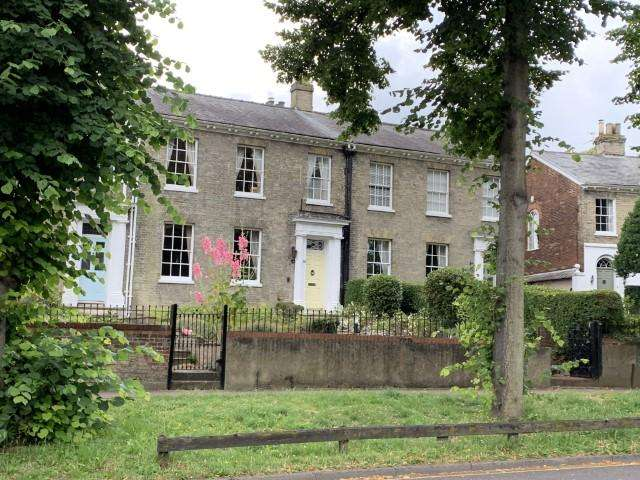 4 Bedrooms Town House for sale in Bracondale, Norwich NR1