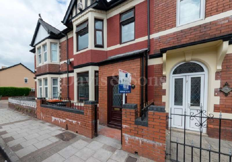 3 Bedrooms Terraced House for sale in Llanwern Street, Newport, Gwent. NP19 0BZ