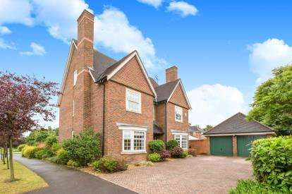 5 Bedrooms Detached House for sale in Abbeydale Close, Weston, Crewe, Cheshire