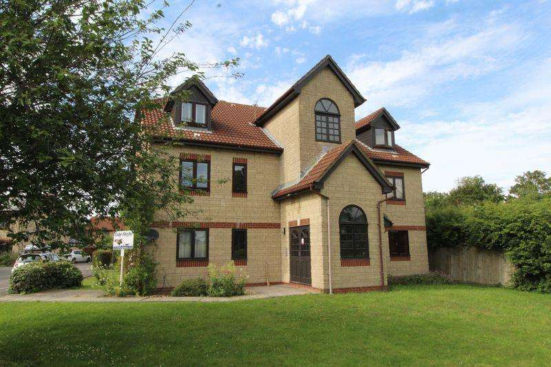 1 Bedroom Apartment Flat for sale in Paddock Close, Bradley Stoke