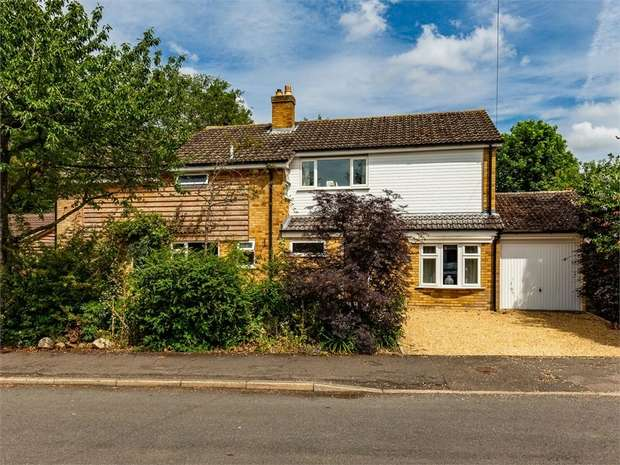 4 Bedrooms Detached House for sale in Tithe Close, Hilton, Huntingdon, Cambridgeshire