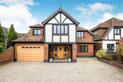 6 Bedrooms Detached House for sale in Abridge, Romford, Essex
