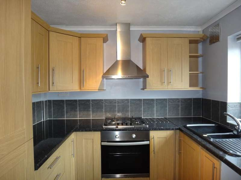 2 Bedrooms Town House for rent in Hardwick Crescent, Syston, Leicester