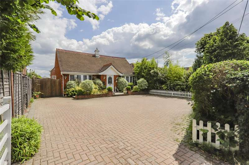 3 Bedrooms House for sale in Chavey Down Road, Winkfield Row, Berkshire, RG42