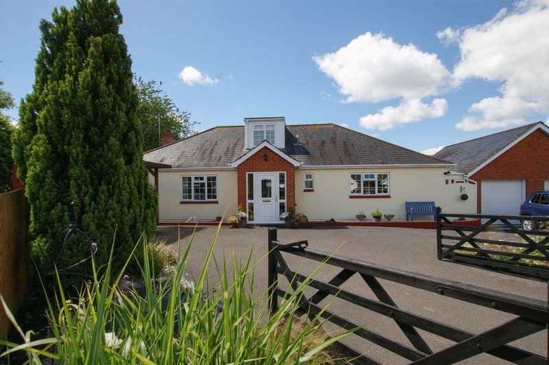 4 Bedrooms Property for sale in Chinston Close Awliscombe, Honiton