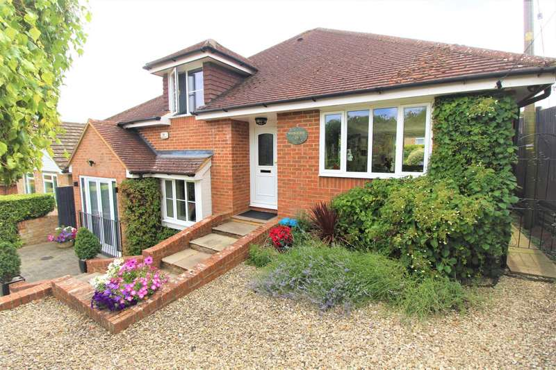 4 Bedrooms Detached House for sale in New Road, Marlow Bottom