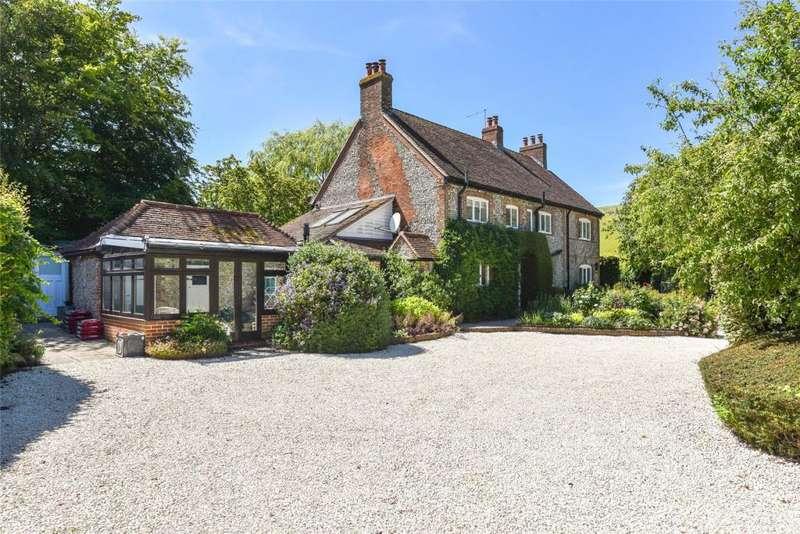5 Bedrooms Detached House for sale in Droke Lane, Upwaltham, Petworth West Sussex, GU28