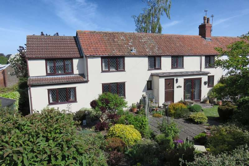 3 Bedrooms Semi Detached House for sale in The Buthay, Wickwar, GL12