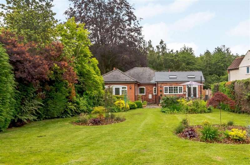 3 Bedrooms Bungalow for sale in Ranalegh, Clehonger, Herefordshire, HR29SH