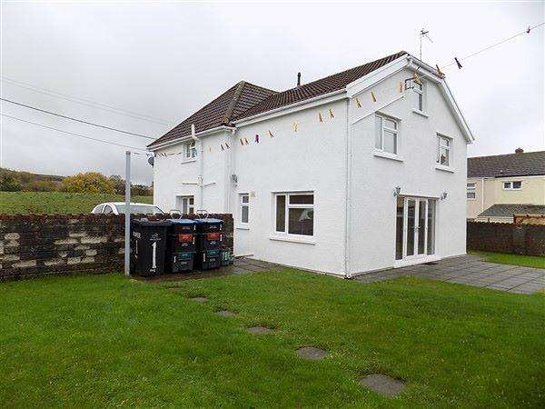 4 Bedrooms Detached House for sale in Blaenant Road, Nantyglo, NP23 4PQ