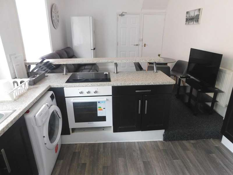 6 Bedrooms Semi Detached House for rent in The Polygon, Southampton