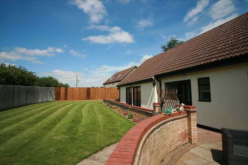 5 Bedrooms Bungalow for sale in The Evergreens, Newmarket Road, Stow-Cum-Quy