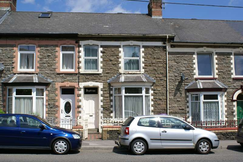 3 Bedrooms Terraced House for sale in Rockhill Road, Pontypool, NP4