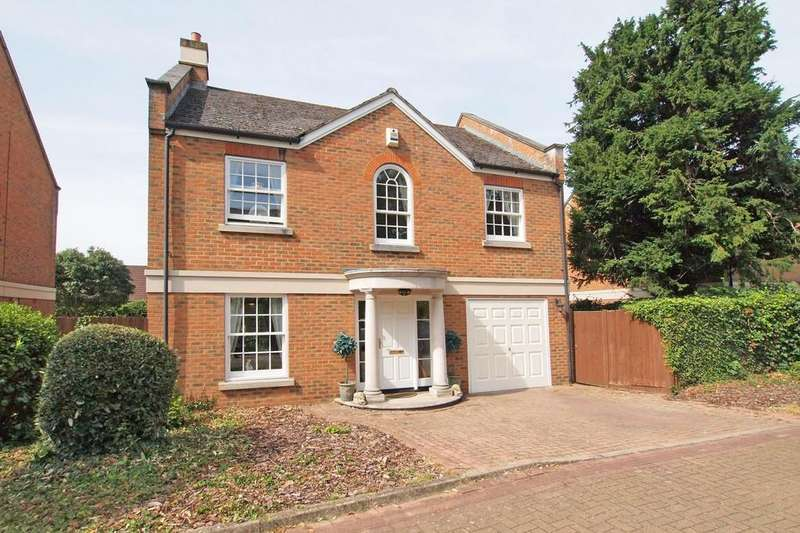 4 Bedrooms Detached House for sale in Seymour Mews, Ewell Village, KT17