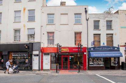 2 Bedrooms Flat for sale in High Street, Cheltenham, Gloucestershire