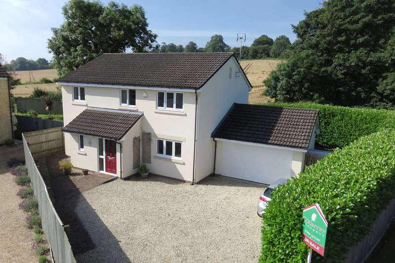 4 Bedrooms Detached House for sale in Wotton Road, Charfield, GL12